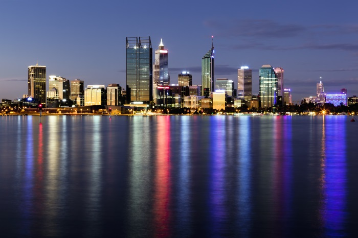 perth-at-night-700