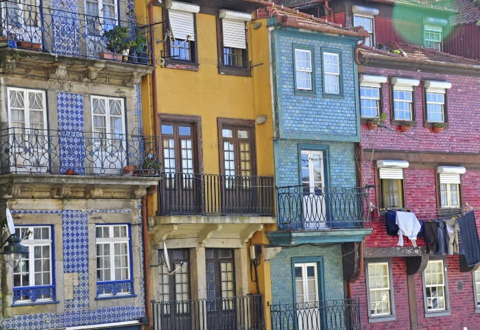 Colourful houese of Oporto