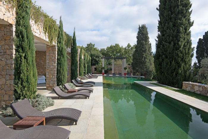 Brigitte Bardot pool