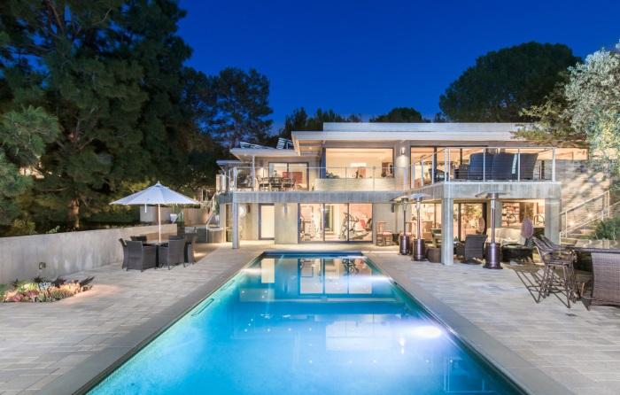 Swimming pool in Jane Fonda's house